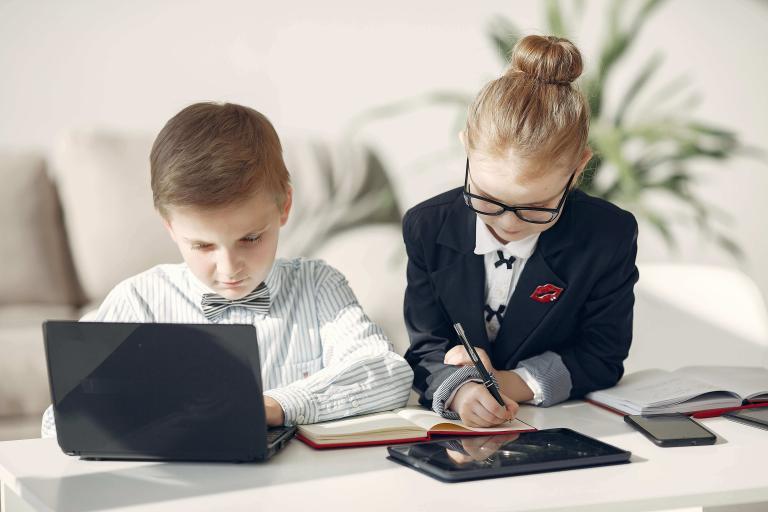 ¿Qué desarrollan las clases de programación para niños y jóvenes?